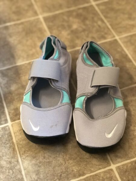 Nike Air Rift.  Womens Size 5