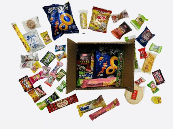 35 Piece Snack Box Asian Japanese Korean Chinese Variety Treat Tester Sample Lot $18.00