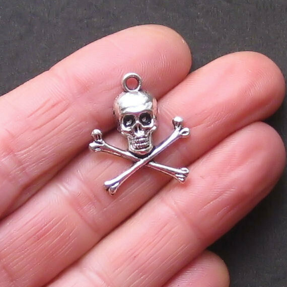 10 Skull and Crossbones Charms Antique Silver Tone SC722 $3.99