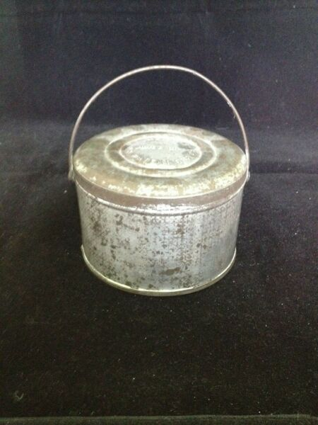 SIGNED SMALL TIN TOLE PAIL LUNCH PAIL 4 14