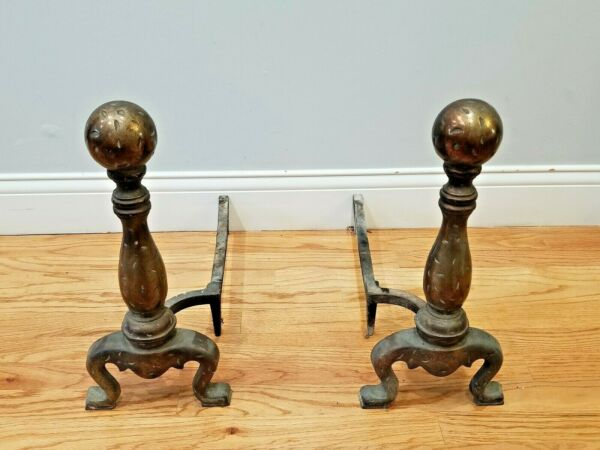 VINTAGE CAST IRON FIREPLACE ANDIRONS DOGS 3720 A