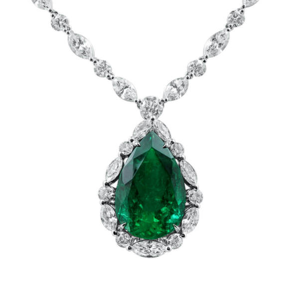 35.72 Ct Real Natural Unheated Vivid Green Colombia Emerald Necklace Certified