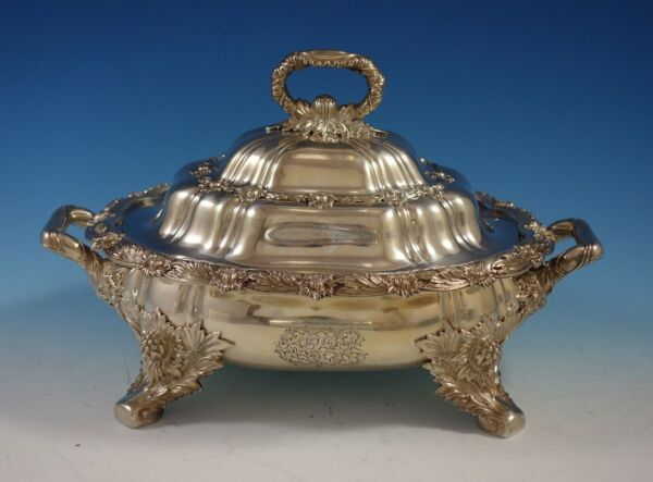 Chrysanthemum by Tiffany and Co. Sterling Silver Vegetable Dish Covered (#2799)