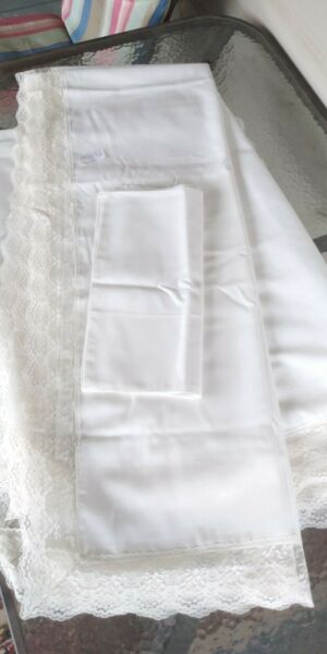 TWO Vintage WHITE Linen Tablecloths with lace 64 X 80 4 MATCHING NAPKINS
