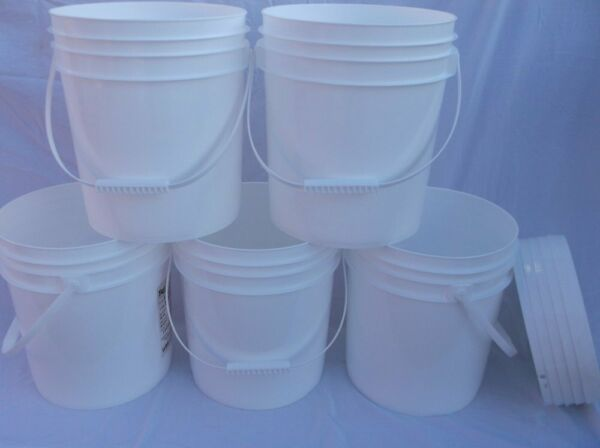 5 FOOD GRADE USED PLASTIC 4 GALLON ROUND BUCKETS PAILS W LIDS HANDLES STORAGE RC