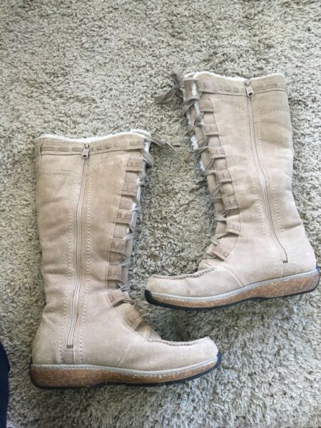 Timberland Womens Boots Size 8.5 Suede Leather Light Tan Gray Lightly Used $65.00