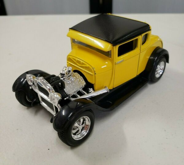 Maisto 124 Yellow Black 1929 Ford Model A Die-Cast Car Collectible