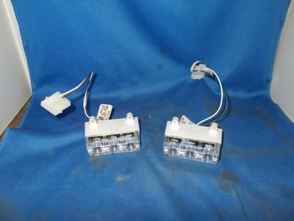 WHELEN LED LIGHTS 2 P N...01 0771285 30 28 VOLT