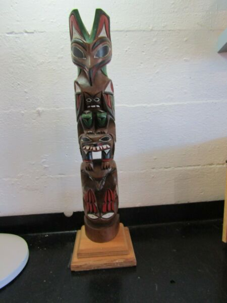 ORIGINAL JOHN WILLIAMS HAND CARVED & PAINTED TOTEM POLE CARVING SIGNED 20''.