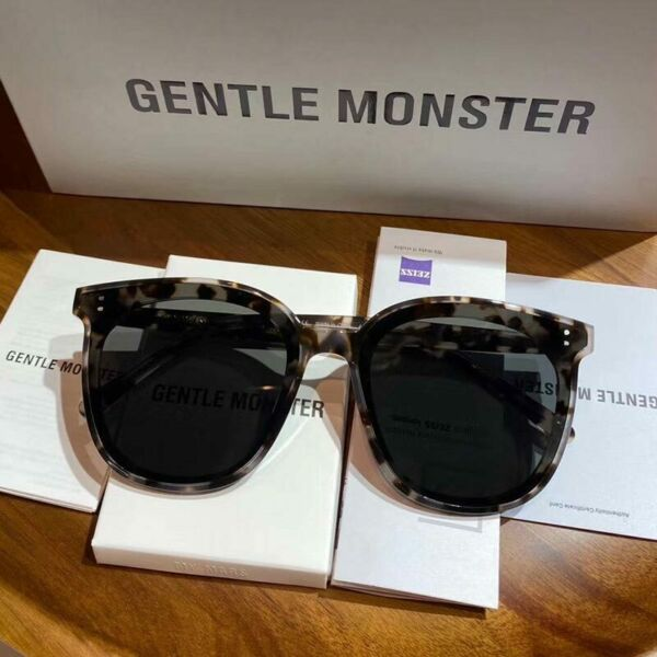 Gentle Monster MY MA Unisex Square Frame Sunglasses in 2 Col $131.00