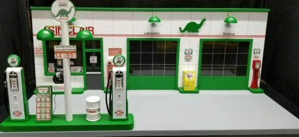 SINCLAIR GAS STATION FRONT W 2 PUMP ISLAND HAND CRAFTED 1:18TH SCALE DIORAMA $199.95