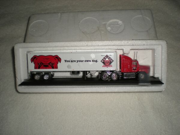 1997 Matchbox Collectibles Red Dog Tractor Trailer Semi 1:100 Diecast $12.95