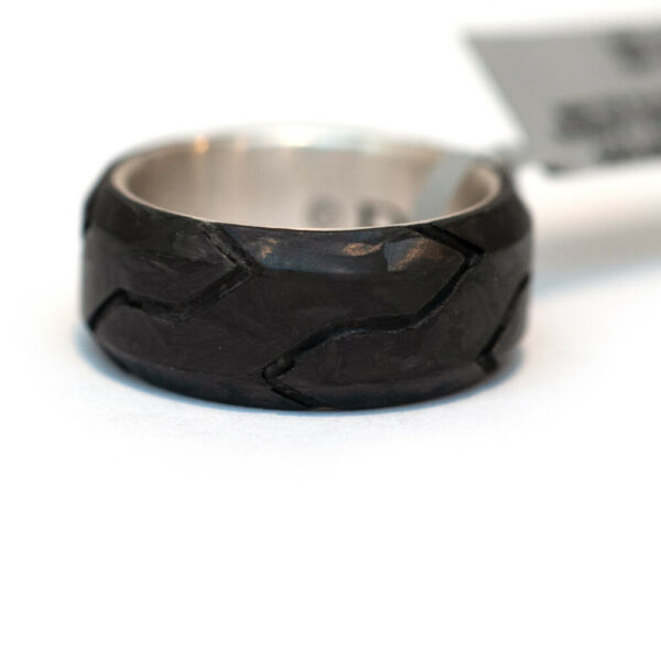 New DAVID YURMAN Men#x27;s 8.5mm Forged Carbon Band Ring in Forged Carbon Size 9.5 $450.00