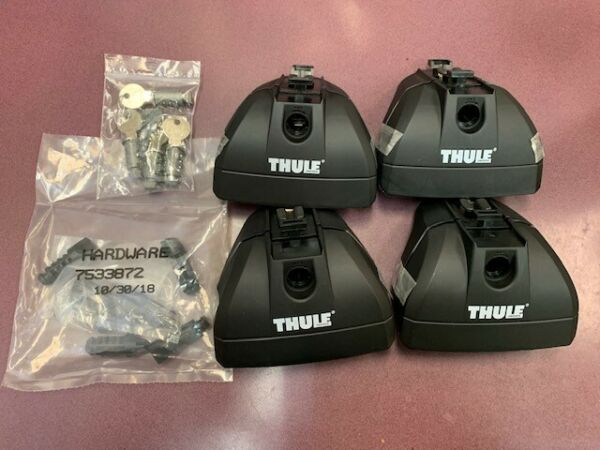 Thule 460R Rapid Podium Foot Pack includes Thule 544 One Key System Lock $169.99