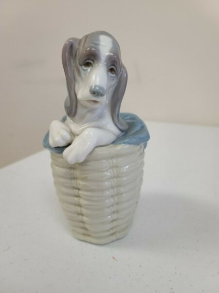Lladro 1128 quot;Dog in the Basketquot; Basset puppy dog in tall basket $49.99