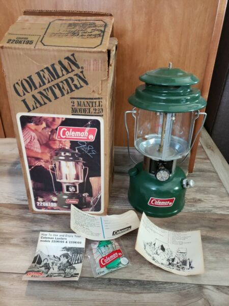 Vintage 1980 Box Green Coleman 2 Mantle Lantern Model 220K195 With Mantles NEW $99.99