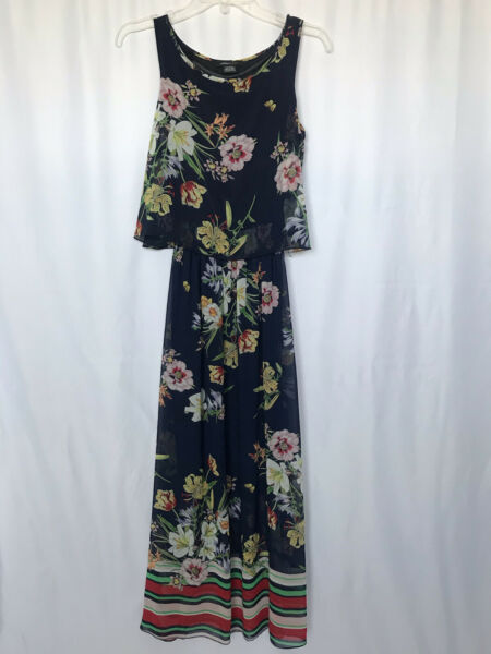 ROBERT LOUIS SMALL BLUE FLORAL WITH STRIP BOTTOM FLYWAY MAXI DRESS PRE OWNED $10.00