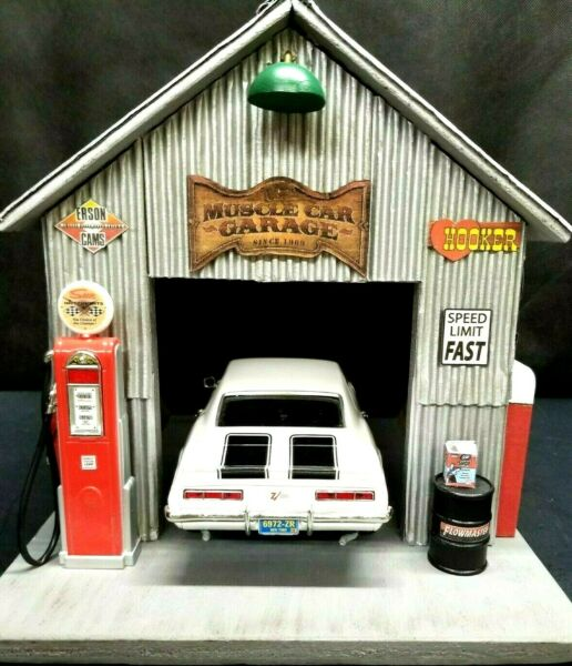 MUSCLE CAR GARAGE DIORAMA DISPLAY SINGLE CAR 1:18TH HAND CRAFTED UNIQUE $269.95