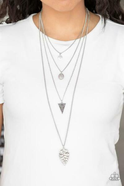 Paparazzi Jewelry Necklace Grounded In ARTIFACT SIlver