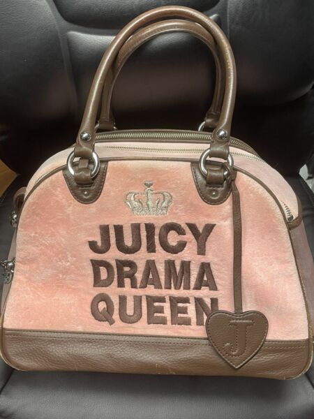 🐶Juicy Couture Dog Carrier Drama Queen Pink velvet $99.99