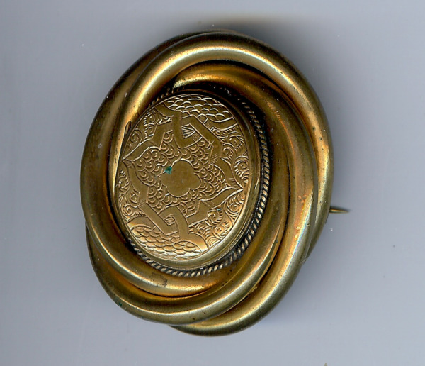 *ANTIQUE VICTORIAN ENGRAVED BRASS PILL BOX LOCKET DIMENSIONAL PIN BROOCH*