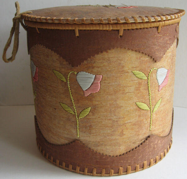 LARGE VINTAGE MICMAC Mi'KMAQ INDIAN BIRCH BARK PORCUPINE QUILL SEWING CONTAINER