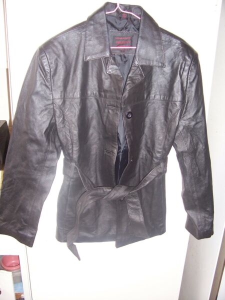FREQUENCY OUTERWEAR  Black Leather womens Coat Jacket Sz M ex+ con. BOTTON DOWN