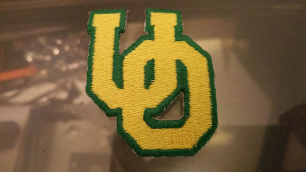 UNIVERSITY OF OREGON EMBROIDERED PATCH VINTAGE IRON ON