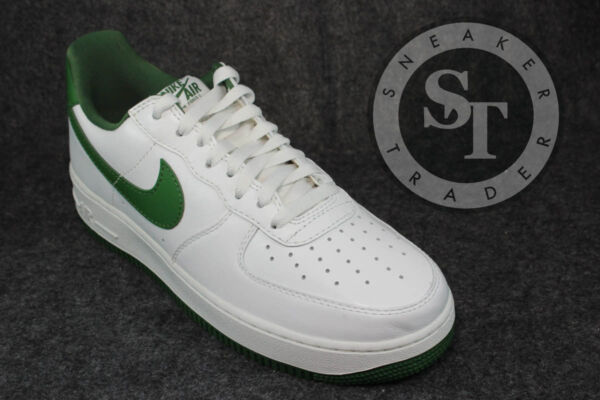 NIKE AIR FORCE 1 ONE LOW RETRO 845053-101 SUMMIT WHITE FOREST GREEN DS SZ: 11