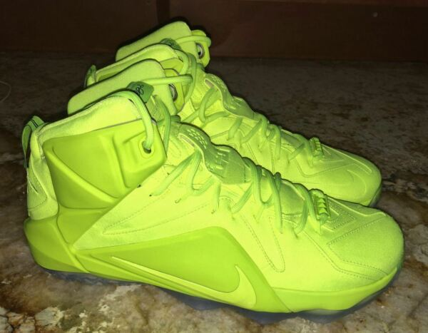 NIKE LeBron XII 12 EXT Tennis Ball Volt Yell Basketball Shoes Sneakers Mens 10.5