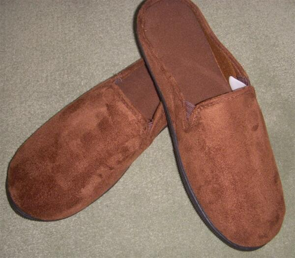 Men#x27;s Totes Isotoner Dk BROWN Microsuede Slipper Lt Wt Sturdy Sole Medium 8 9 $32.99