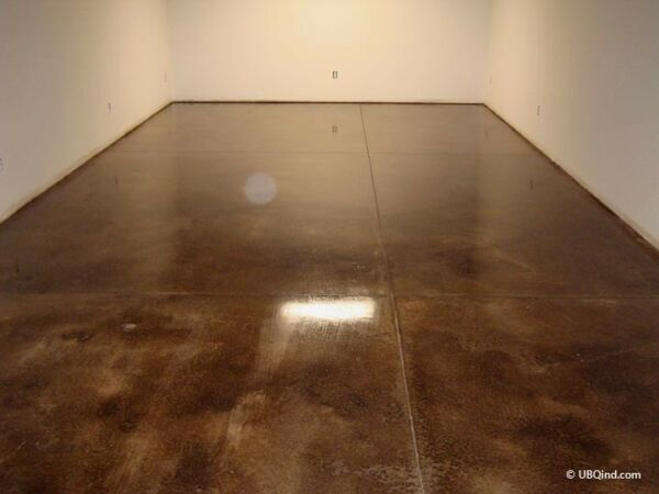 Official High Gloss Floor Finish to Seal Concrete Surfaces (1 gallon)