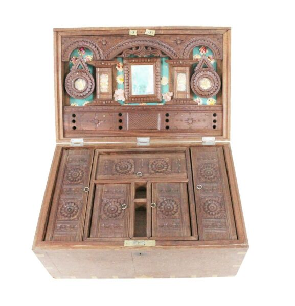 Vintage Handmade Rare Collectible Old Wooden Make Up Jewelry Box Case US439AH