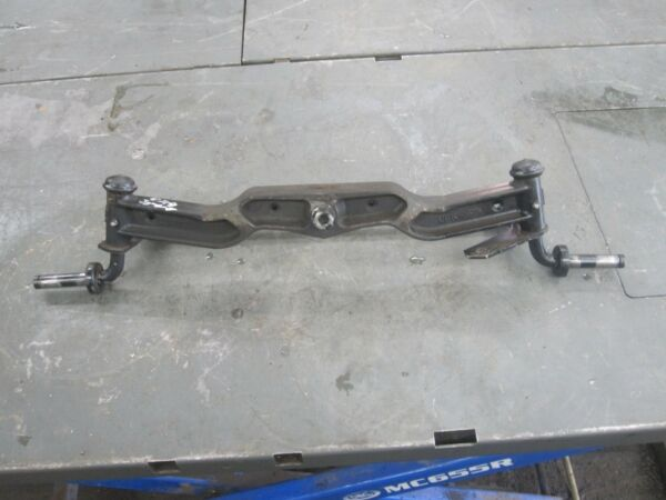 MTD HUSQVARNA GTH2548 FRONT AXLE WITH SPINDLES AND TIE ROD 137093 GT 5000
