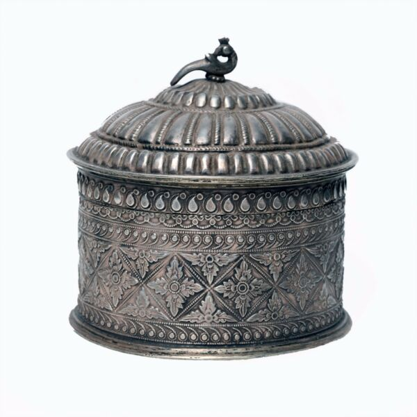 Jewelry Boxe Silver Vintage Decorative Beautiful Handicraft Collectible India