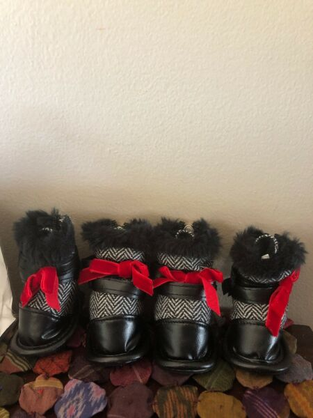 Girl Pooch-a-Lini Dog Booties Black & White Chevron Print Red Bow Size XS NWT