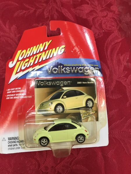 2002 Johnny Lightning - VW Bug - Volkswagen - Beetle - New Green. G1