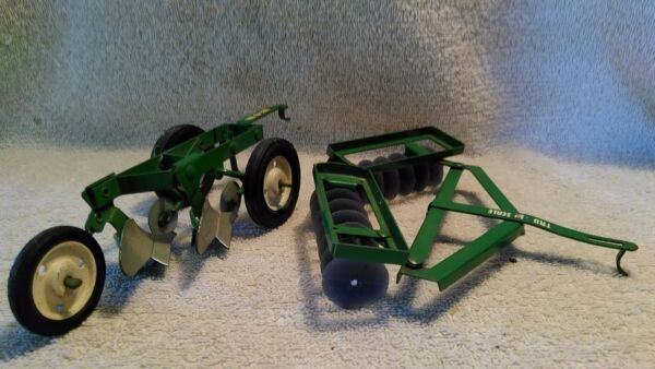 Lot Of 2 Tru Scale 1:16 scale 2 Bottom Plow and a 1:16 scale Hitch Style Disc $74.99