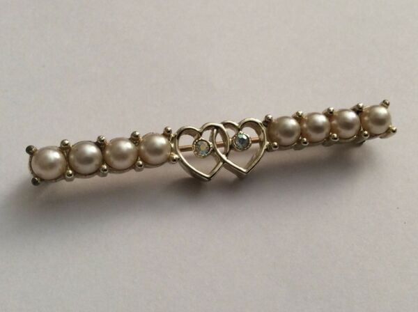 Vintage Signed Sarah Coventry Imitation Pearl Two Hearts Rhinestones Brooch Pin