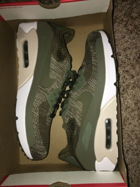 NEW Size 10 Nike Air Max 90 Ultra 2.0 Flyknit Men Running Shoes Olive 875943-200
