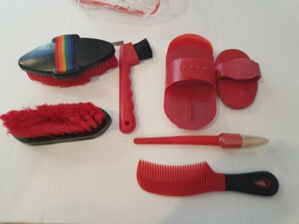 Horse Grooming Kit Set 7 Pieces Barn Stable Supply Brushes Hoof Pick With Bag