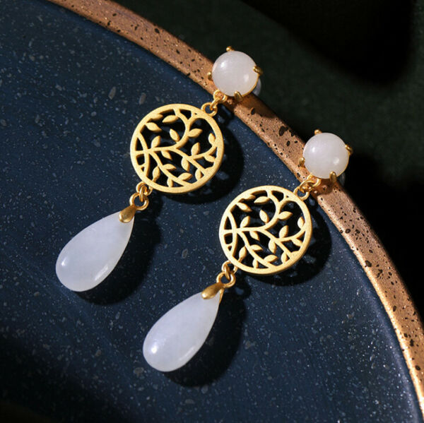 F02 Earring Droplets from White Jade Circle with Leaves Gilded Silver 925