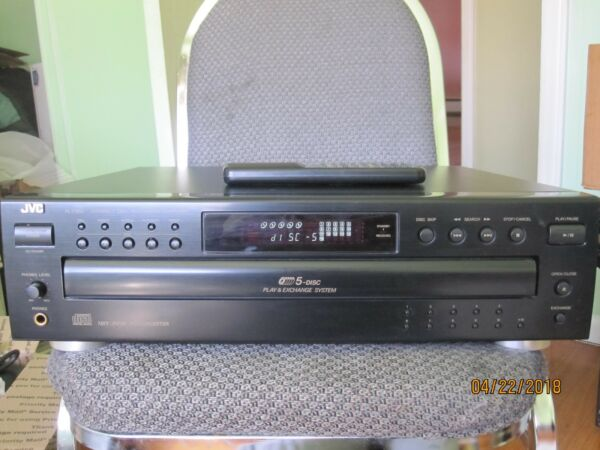 VINTAGE JVC XL-F252BK Compact 5 Disc Automatic Changer WITH CONTROLWAS TESTING