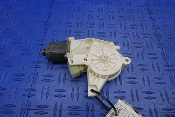 2011 - 2016 MERCEDES E350 W212 LH FRONT DRIVER LEFT DOOR POWER WINDOW MOTOR