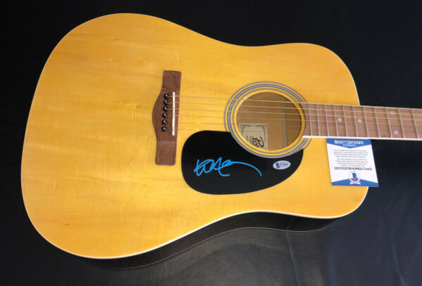 WILLIE NELSON SIGNED AUTO ACOUSTIC ROUGE FULL SIZE GUITAR BECKETT BAS COA