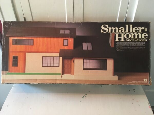 Tomy Smaller Homes Dollhouse Complete With Box1980's Home and Garden Doll House