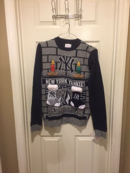 MLB New York Yankees Ugly Christmas Sweater Men#x27;s Sz Small Fireplace Stockings