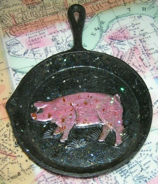 Small Old Cast Iron Embossed Painted Pig Design Souvenir Skillet Pan