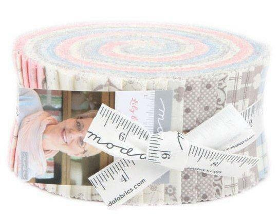 Moda Fabric Jelly Roll Lily amp; Will Revisited Christmas quilt fabric New sealed