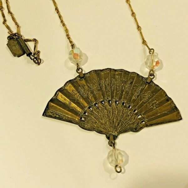 Pididdly Links Vintage Fan amp; Crystal Necklace Victorian Style Kingston N.Y.